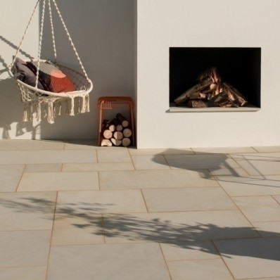 Bradstone Smooth Natural Sandstone Paving, Dune, 15.30m2 Patio Pack
