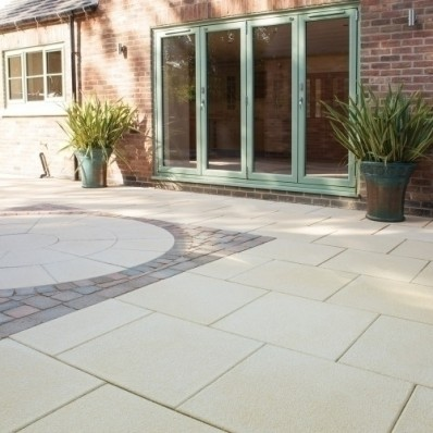 Bradstone Textured 300x300 Paving Slabs, 3.8m2, 42PACK, Buff