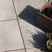 Bradstone Peak Riven Paving, Natural